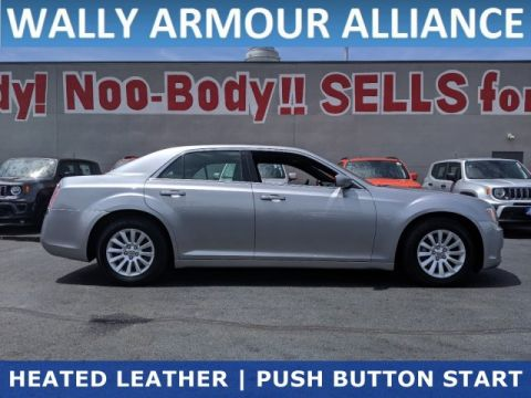 PRE-OWNED 2013 CHRYSLER 300 BASE RWD 4DR CAR