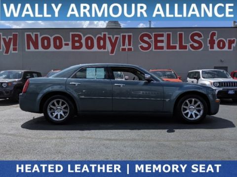 PRE-OWNED 2005 CHRYSLER 300 300C RWD 4DR CAR